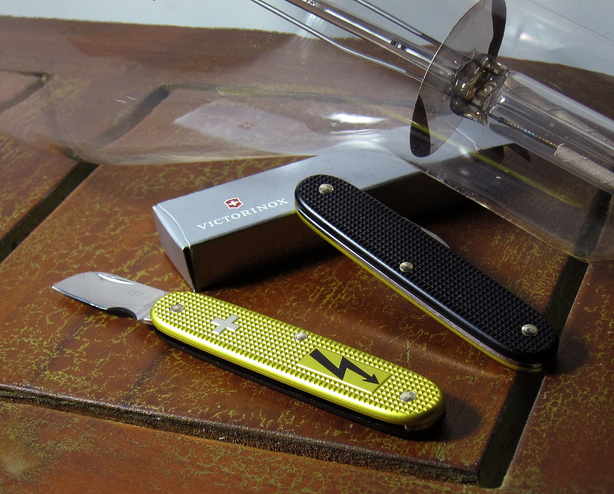 Show Image Php Id Scalesize Nocount Sakwiki Victorinox Electrician Solo Yellow Chartreuse Black
