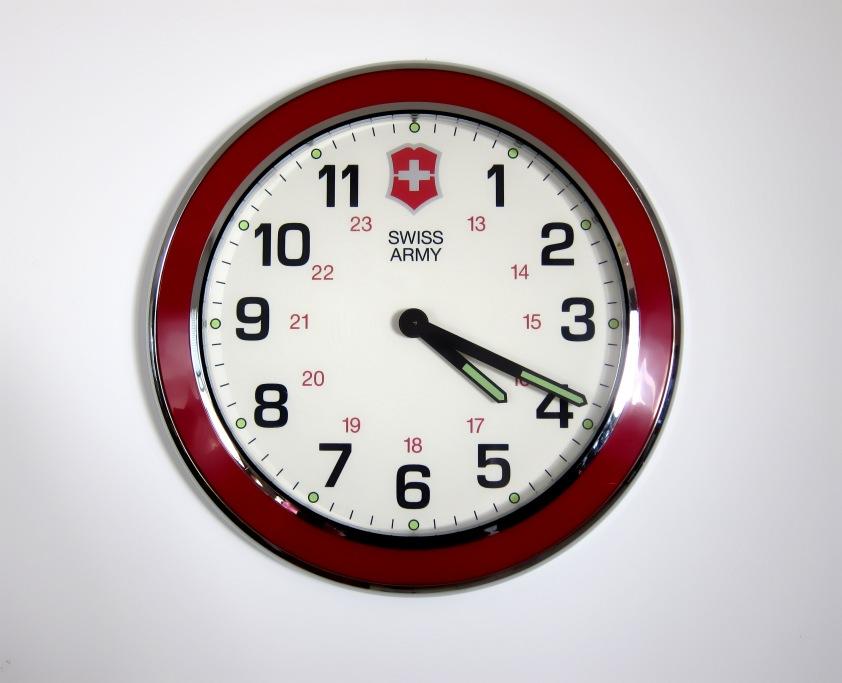 Sakwiki Victorinox Swiss Army Dealers Wall Clock