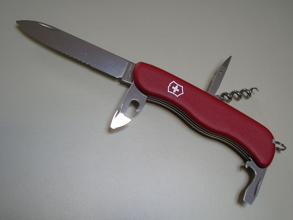 Victorinox Picnicker 111mm. Picture by victor7000.
